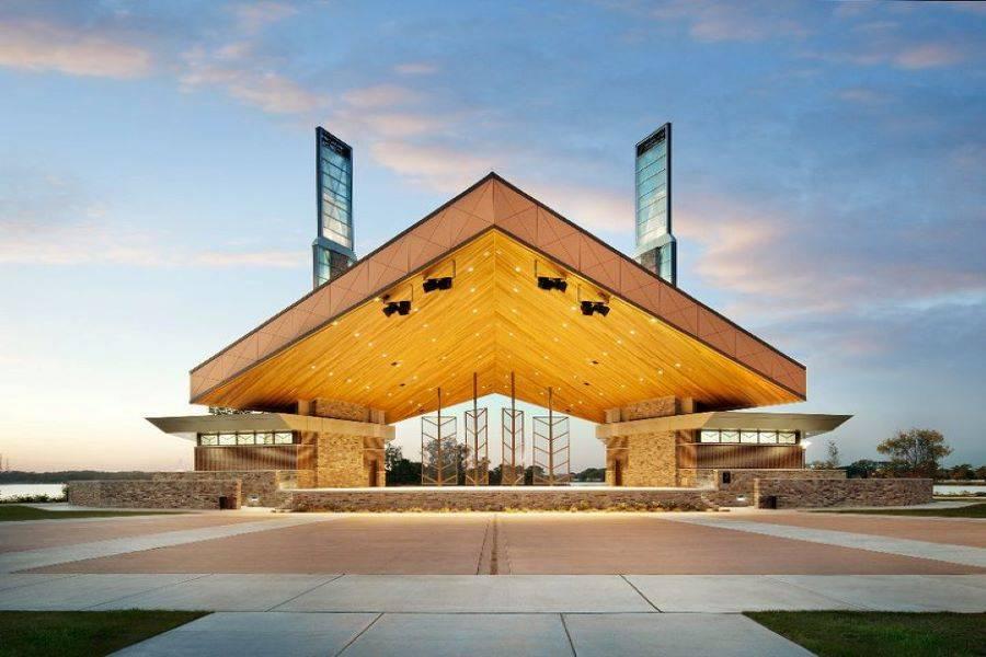 Pavilion at Wolf Lake Park